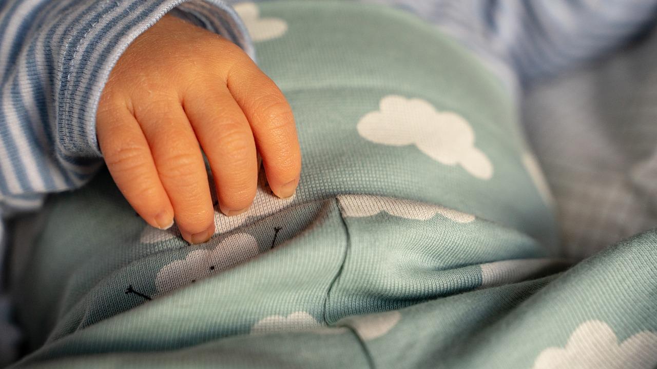 Comment savoir si bébé a mal au ventre ?